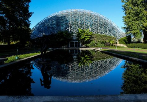 Photography takes a field trip to the Botanical Gardens and spends a day out in STL.