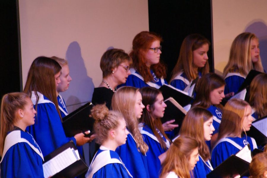 Westminster%27s+chamber+choir+opens+with+a+beautiful+song+at+the+concert.+