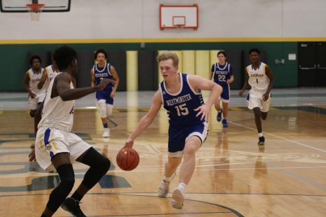 Boys Basketball Runs Through Competition En Route to Lindbergh Tournament Victory