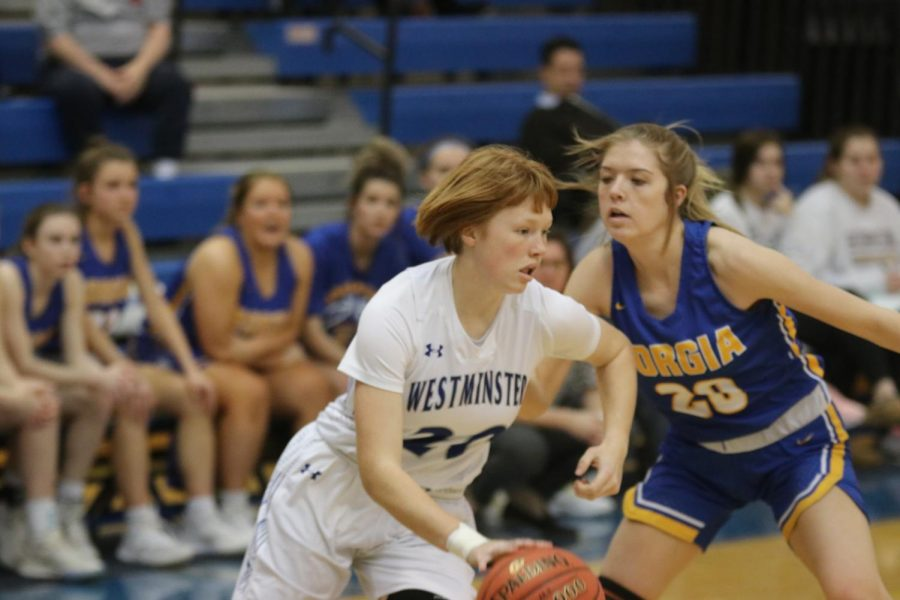 Girls Basketball Defeats Borgia in District Semifinal