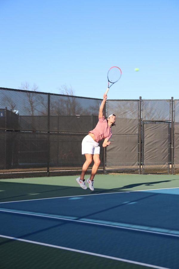 Daniel+Stengel%2C+junior%2C+serves+an+ace+during+tryouts.+